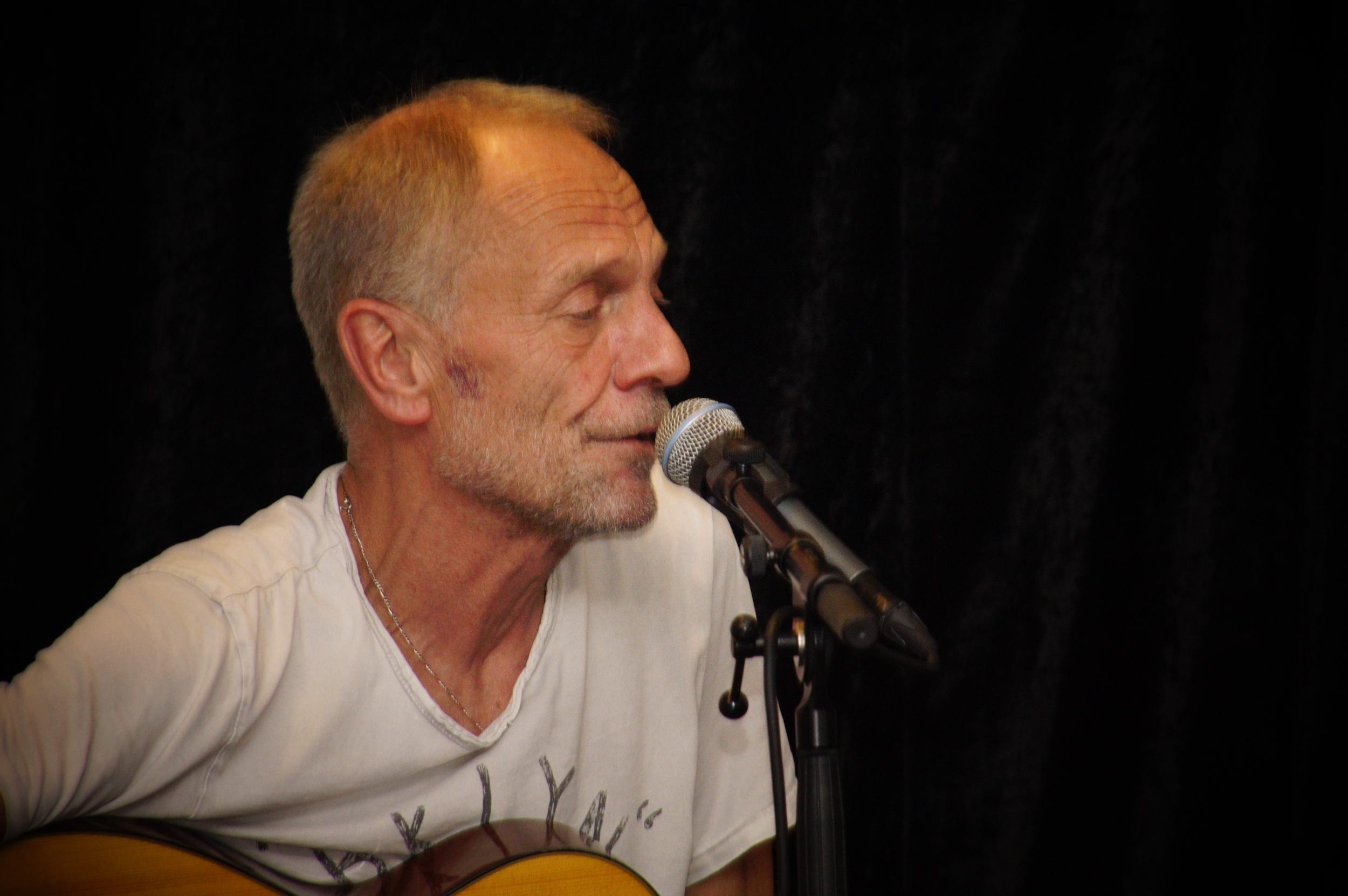 Mister Fingerpicking live! Gitarrenkonzert mit Peter Ratzenbeck
